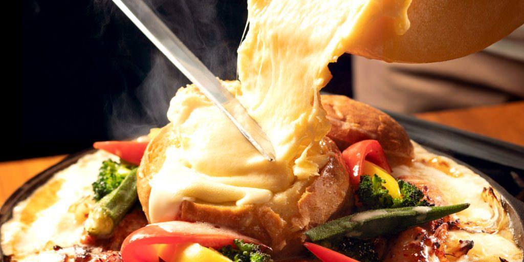奥渋エリアの人気店「MARUTA渋谷宇田川町店」でイベントを開催 「禁断のラクレットチーズかけ放題フェア」を期間限定でご提供!