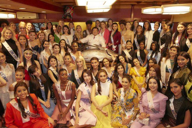 <事後レポート>ミス・インターナショナル2019世界大会出場者が、「すしざんまい 奥の院」を訪問! マグロの解体ショーを見学し、SUSHI体験を行うすしざんまい訪問day開催!