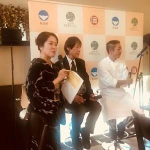 左から葉石かおりさん、平島健新潟県酒造組合副会長、石月正人IVY PLACE料理長