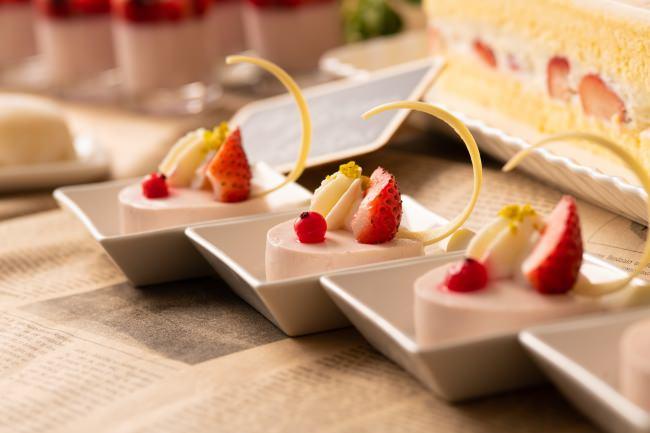 苺のレアチーズケーキ