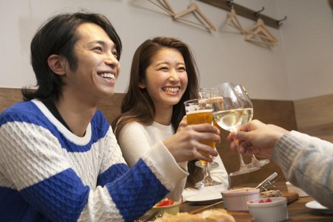個室居酒屋業界最大手アンドモワと、婚活のPARTY☆PARTYがクリスマスにお送りするコラボレーション企画。全国45か所、同時開催『イザクリ☆』