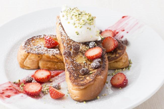 「サラべス」名古屋店 和テイストのフレンチトーストが登場『OGURA フレンチトースト』