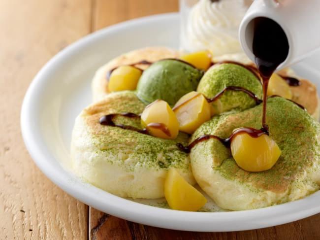 新年の初パンケーキは、北海道の素材に香り豊かな宇治の抹茶と縁起のよい栗を使用した期間限定パンケーキで!