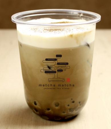 宇治ほうじ茶ラテ¥580(税抜)・抹茶タピオカ ・黒糖わらび餅タピオカ ・白玉タピオカ入り