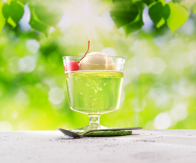 ゼリエース<メロン味>でつくる「食べるメロンクリームソーダ」