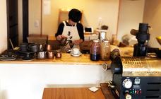 東京・阿佐ヶ谷の商店街にひっそりとたたずむ、独特の空間とこだわりのコーヒーが人気の焙煎店『Bnei Coffee(ブネイコーヒー)』の取り扱いを開始。