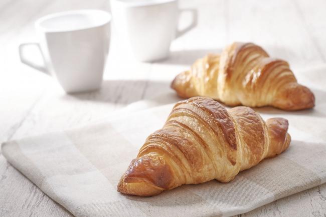 【ベーカリーファクトリー】芳醇なバターの香りが特徴の「発酵バタークロワッサン」新登場!デニッシュ系の新商品が盛りだくさん!2月1日(土)販売開始