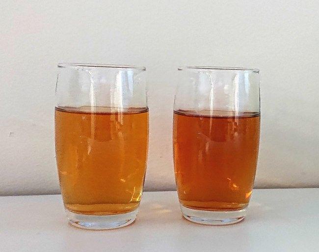 <左:水出しでおいしい麦茶、右:当社他製品>
