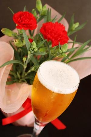 【母の日2020】サンクトガーレン、カーネーション鉢植えとクラフトビールの母の日ギフトセットを販売 < 5月6日までのご予約で最大15%お得 >