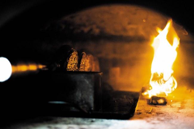 世界初!?「薪のピザ窯で焼くシュラスコ食べ放題のレストラン」が6/1(予定)大阪の今福鶴見に誕生します!現在、オープンに向けてクラウドファンディング挑戦中!2年前に手放したレストランの再生プロジェクト