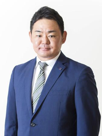 小正 芳嗣 氏
