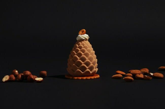 ミルクチョコレートムースで濃厚なプラリネを包んだ、ヴァルト(プラリネ)