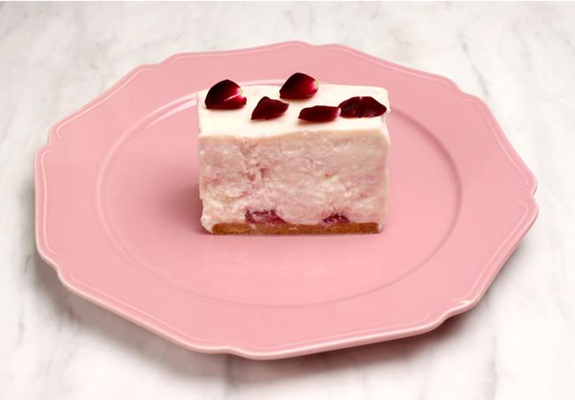 いちごとバラのレアチーズケーキ¥715