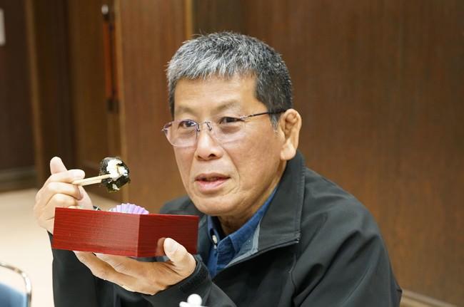 試食会では鉄道フォトジャーナリストの櫻井寛さんにご試食いただいた