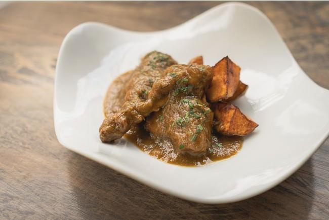 ウサギ肉のバスク風シードル煮込み|清水和博(エチョラ)