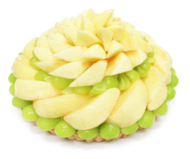 桃とマスカットのケーキ