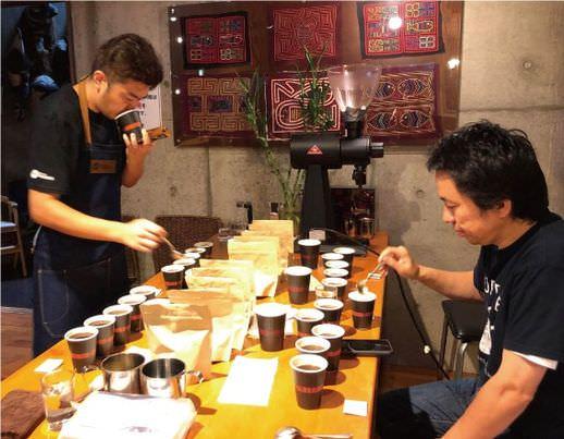 今年はオンライン品評会世界19箇所で同時に味覚評価をした。(サザコーヒーは2人の国際審査員:鈴木太郎、石原俊太郎)