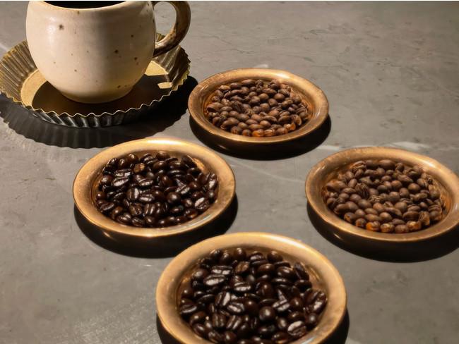 コーヒーは4種類、お替り自由で飲み比べ