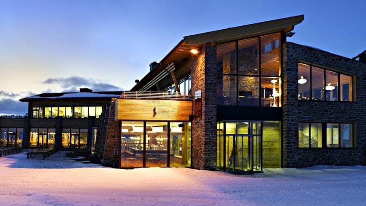 Herrlicher Platz für Gourmets und Gourmands: das Alpenhaus auf der Idalp in 2300 Metern Höhe. Foto TVB Paznaun/Ischgl