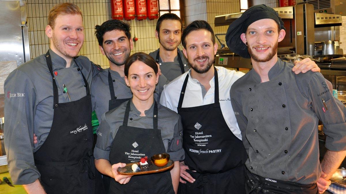 Anton Pozeg und seine Mannschaft: Freuen sich über den ersten Michelin-Stern. Foto WR