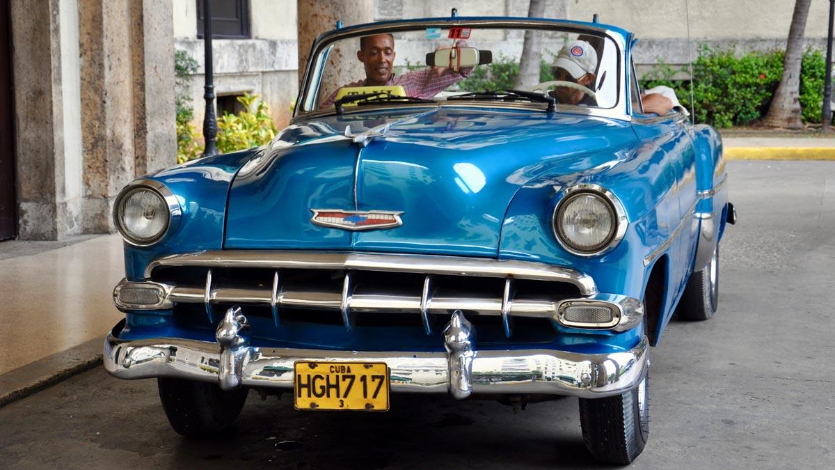 Glänzt mit neuem Lack: Chevrolet Bel Air 1954