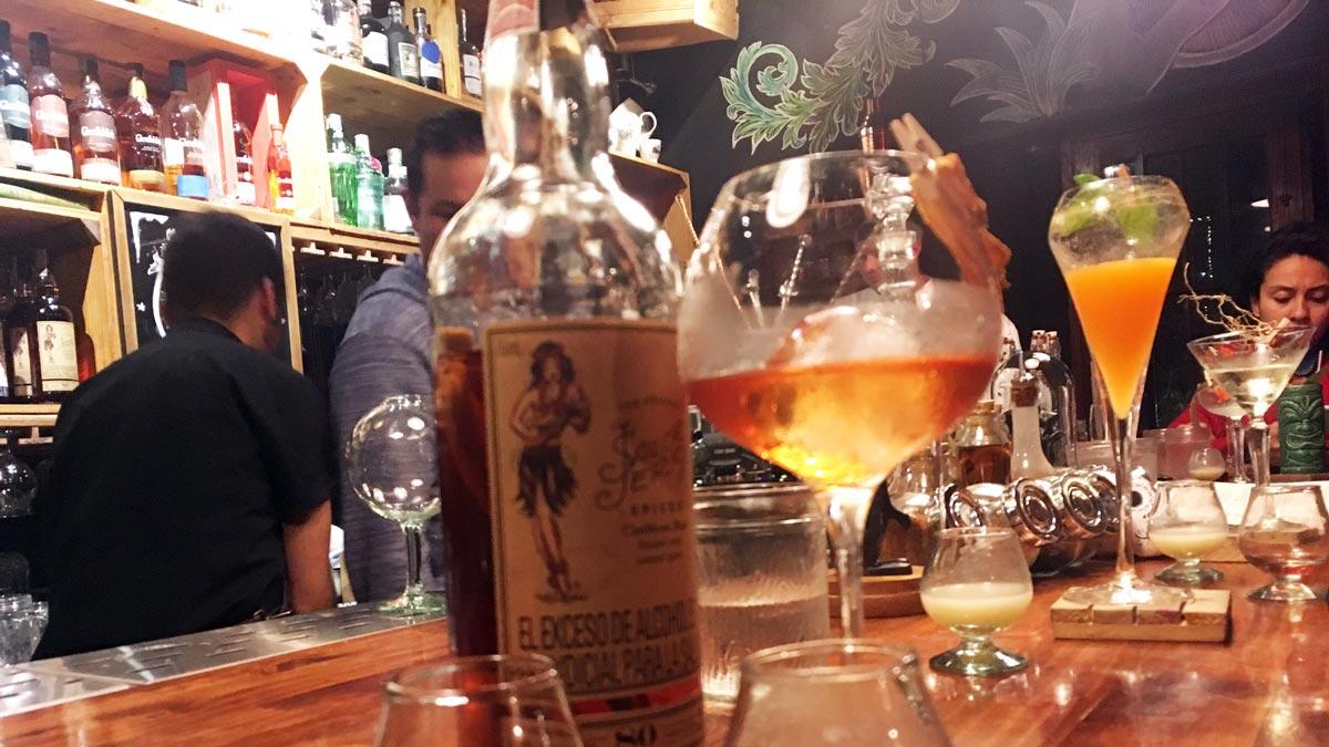 Die La Huerta Bar gehört zu den besten Bars Bogotás
