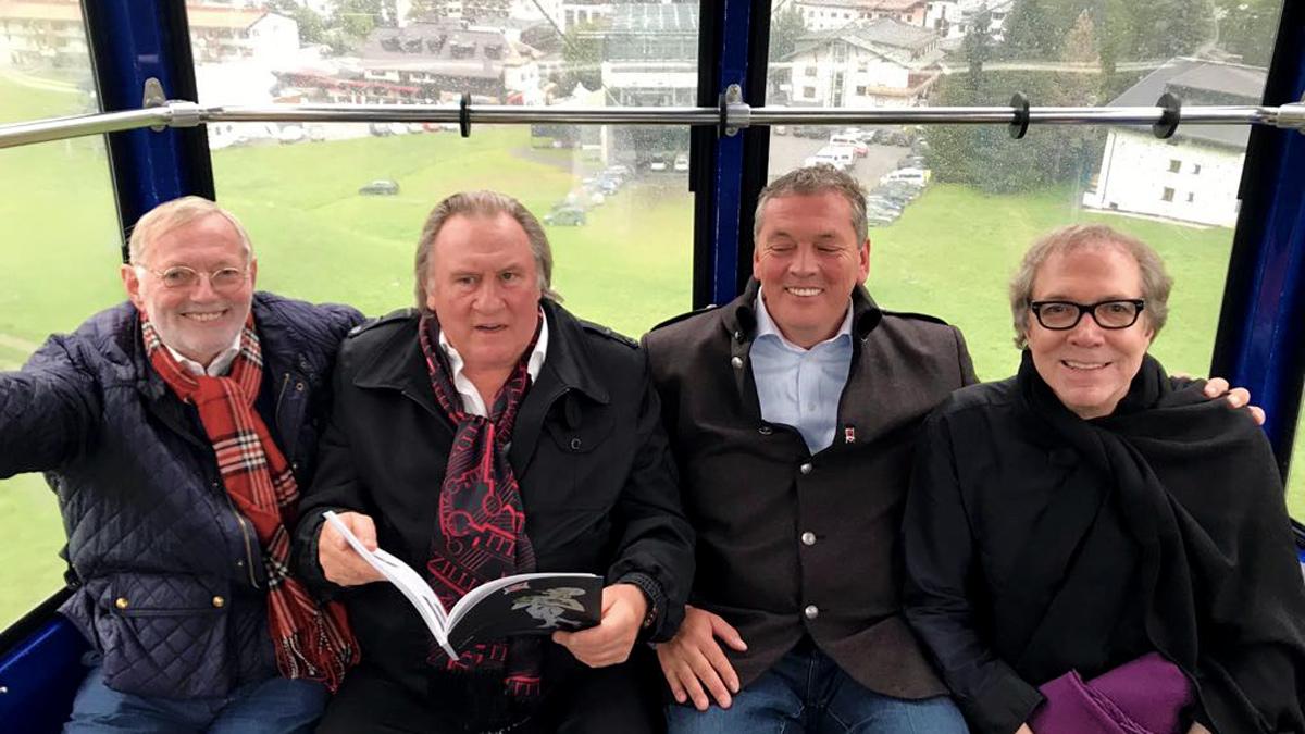 Hans-Peter Wodarz, Gerard Depardieu, Axel Bach und der Regisseur Jean Paul Giardino auf dem Weg zum kulinarischen Gipfelsturm