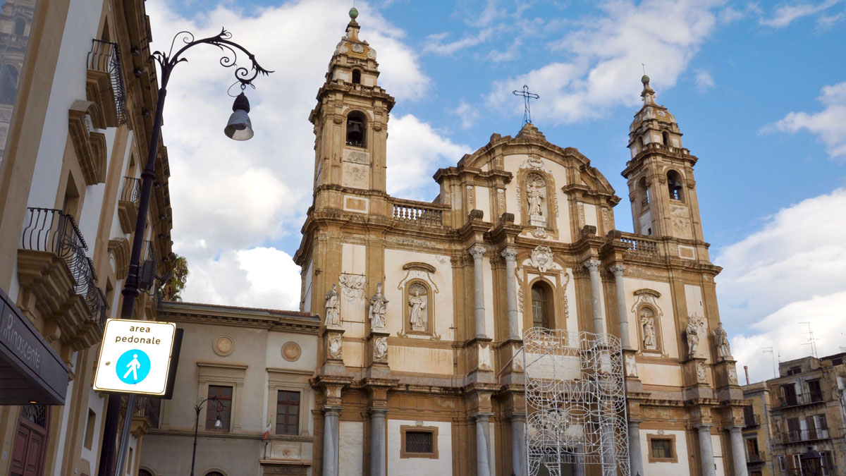 Wunderschöne Barockfassade: Dominikaner-Kirche San Domenico. Foto HvF