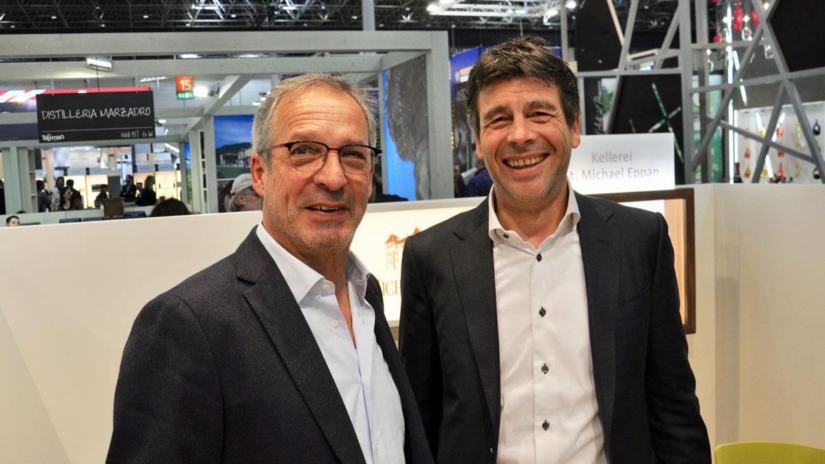 Winzer Hans Terzer (li.), Direktor Günther Neumair, Kellerei St. Michael, Eppan. Ihre Weine gehören zu den besten in Italien. Foto WR