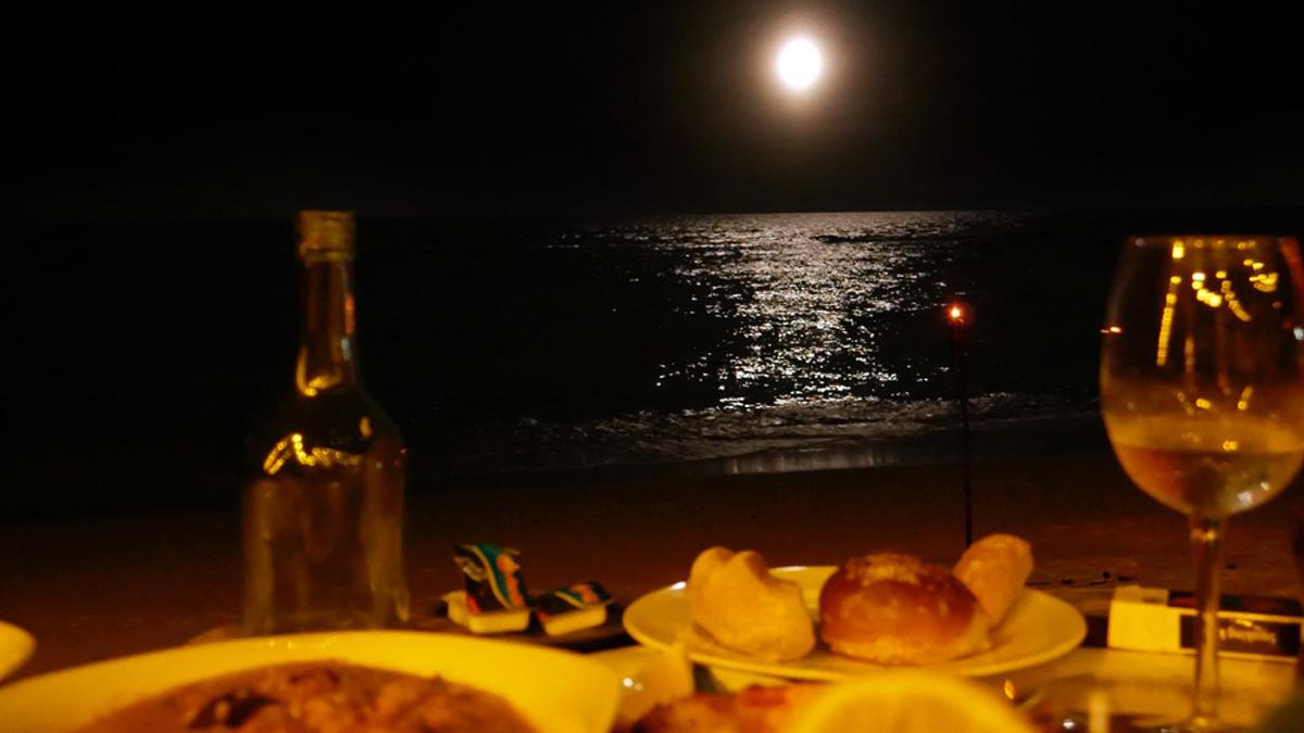 Dinner bei Vollmond im Hilton Resort auf Silhouette. Foto JW