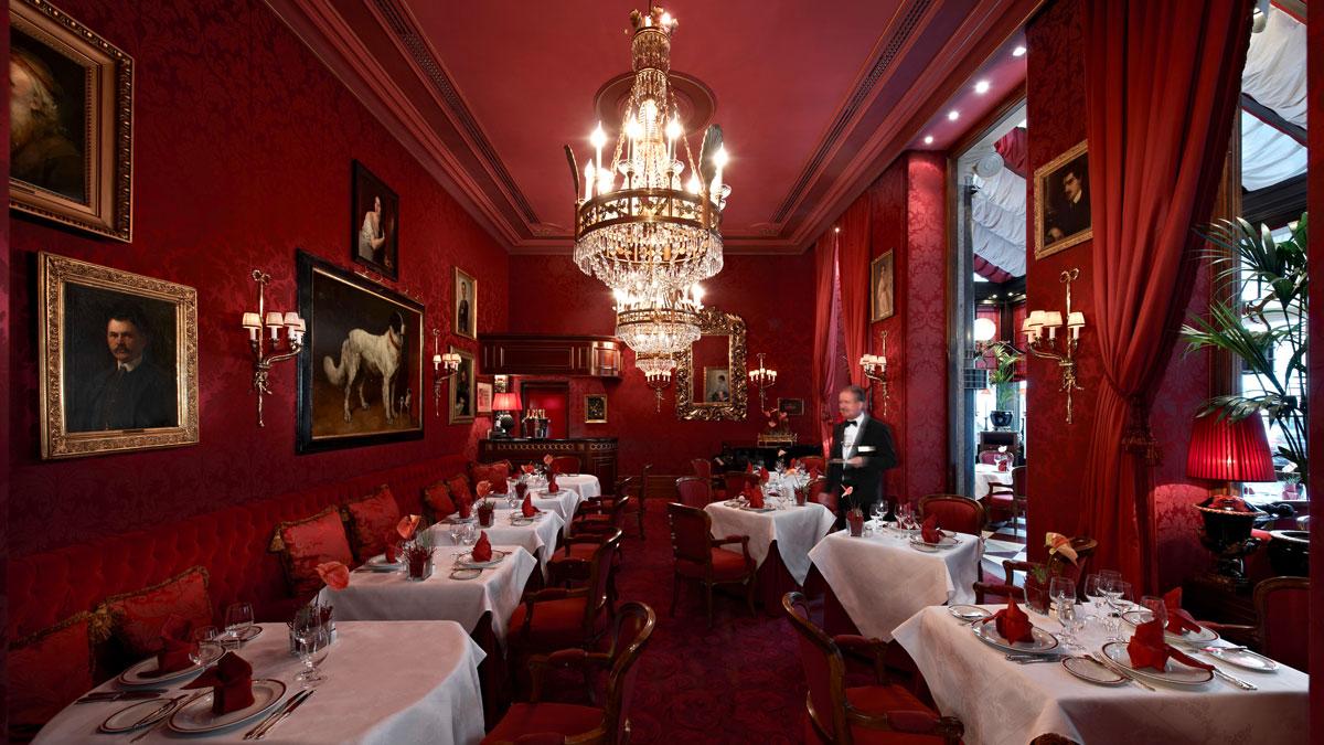 Die rote Bar im Sacher: schöner Essen geht nicht. Foto Sacher