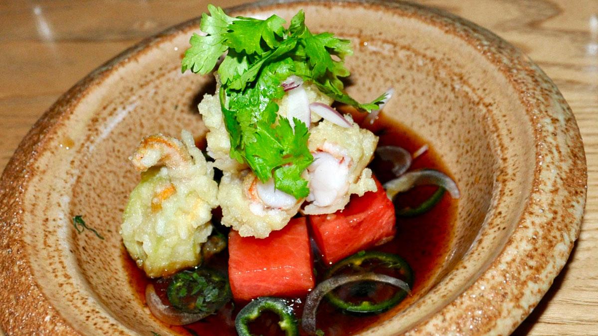 Nobu: Garnelen-Tempura mit Koriander, Ama Tosa Sauce und Wassermelone. Foto WR