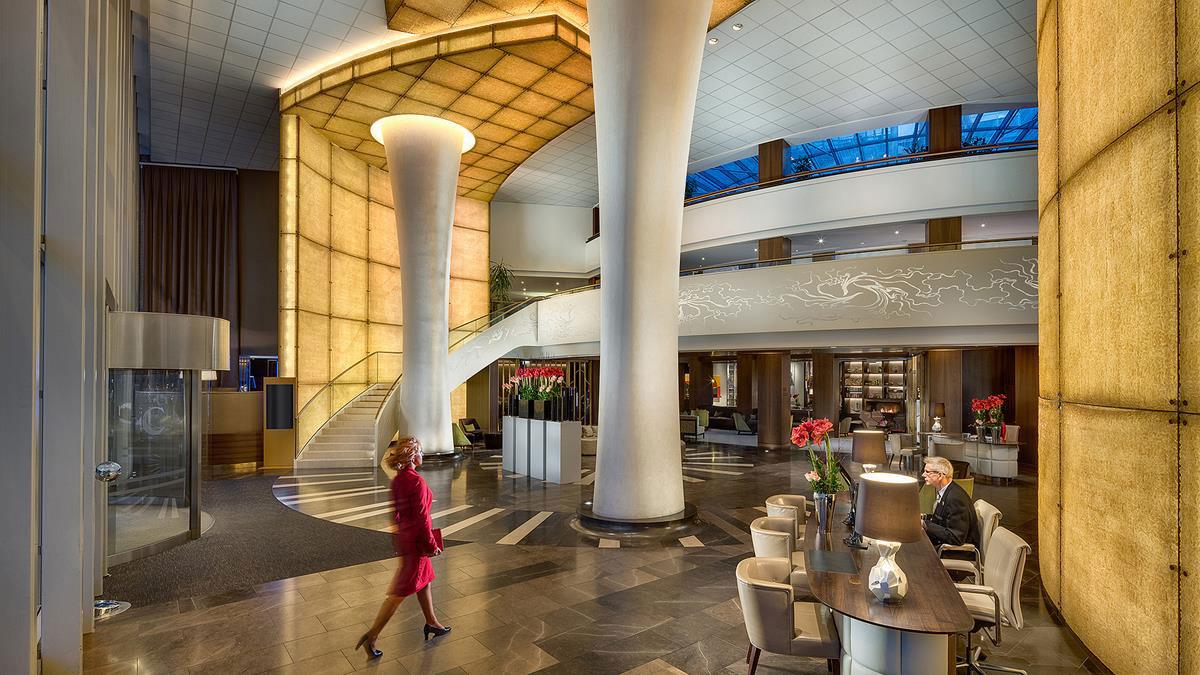 Corvínus: 5-Sterne-Empfang in der beeindruckenden Lobby. Foto Corvínus