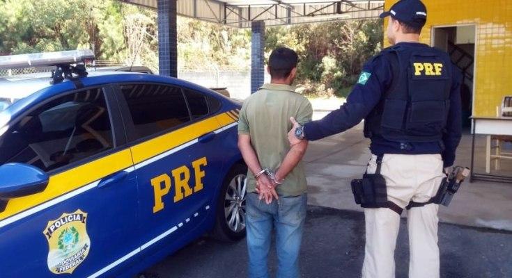 Motorista embriagado é preso com carro roubado na BR 280 em Rio Negrinho