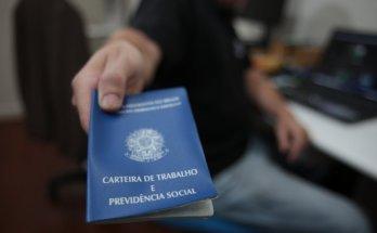 Semana começa com 2.320 vagas de emprego em Santa Catarina