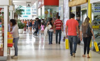 Oferta de vagas no comércio para o Natal será a maior em seis anos