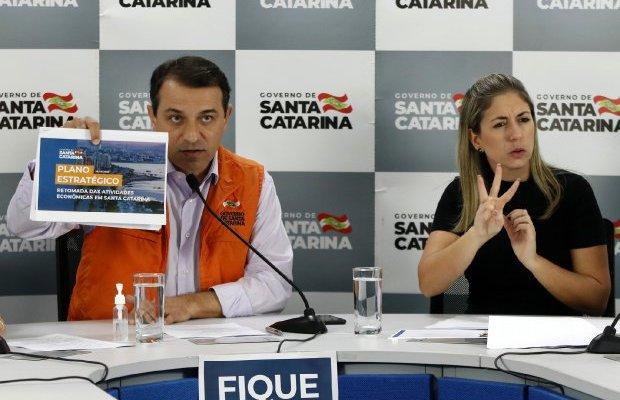 Coronavírus em Santa Catarina: Governador anuncia plano para volta gradual das atividades econômicas com regras para garantir segurança da população