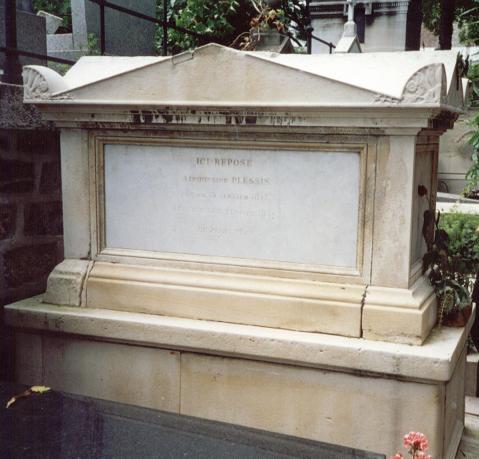"""La tumba de la auténtica """"dama de las camelias"""", en el cementerio de Montmartre (París)"""