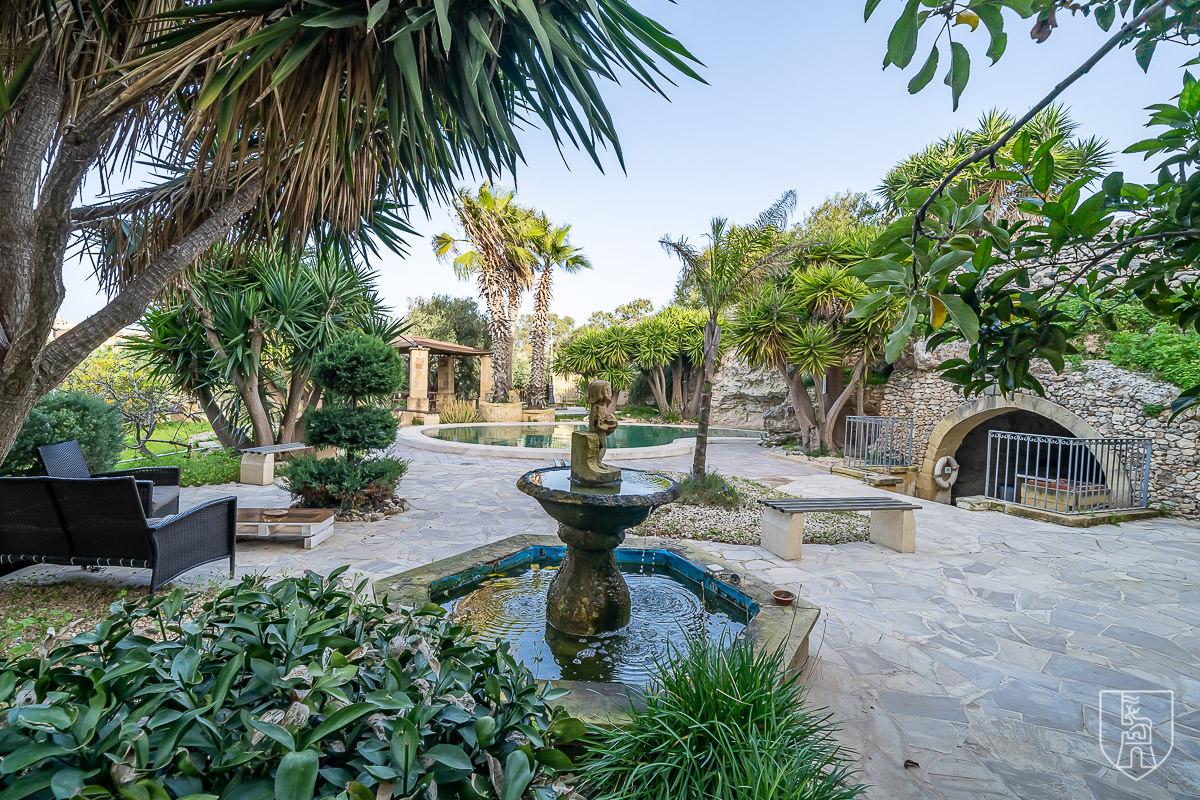Lunzjata Garden
