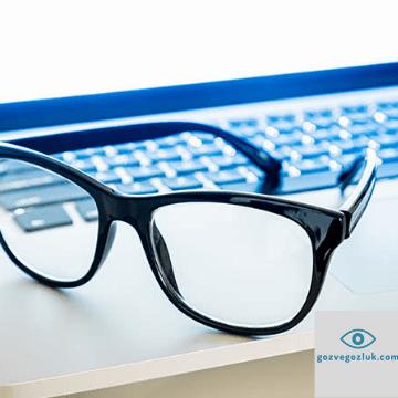 Mavi ışık filtreli gözlük