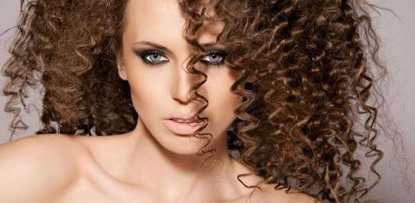 Как правильно сделать объем у корней волос с помощью гофре ...