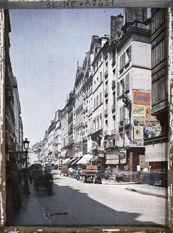 La rue Saint-Honoré, à l'angle de la rue de la Sourdière par Stéphane Passet