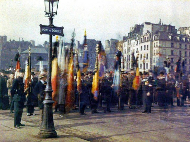 Parvis de Notre Dame de Paris en 1918