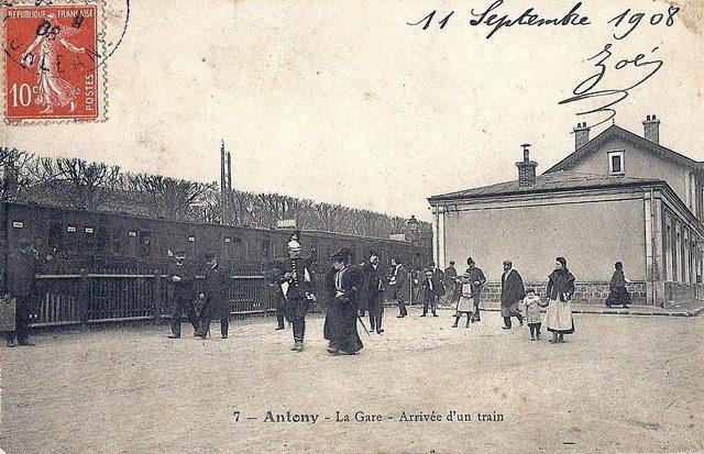 Gare d'Antony. Arrivée du train.