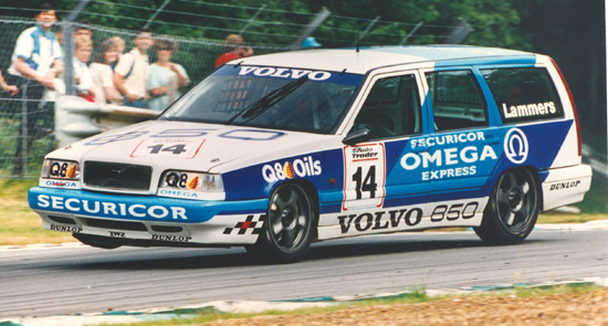 Plastered with Securicor logos, the Volvo estate handled rather more like a Securicor van than a touring car... (Photo: Touring Car Times)