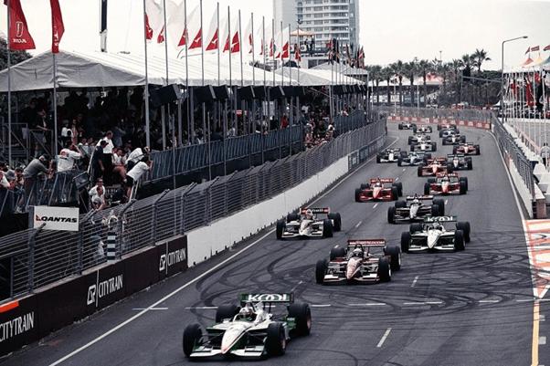 CARTs on the main straight. (Source: motorsport.com)