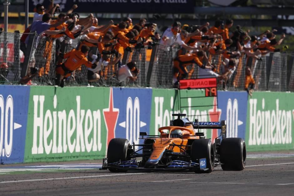 Daniel Ricciardo wins at Monza