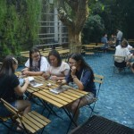 One Eighty Coffe Music: Sensasi Makan di dalam Kolam