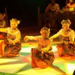 Pertunjukan Mak Yong di Indonesia