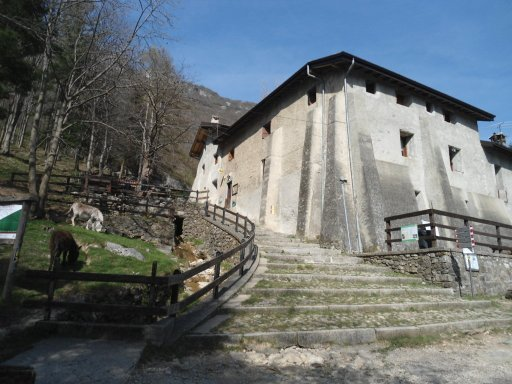 Rifugio Terz'Alpe sopra Canzo